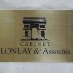 Logo de société gravé sur plaque laiton