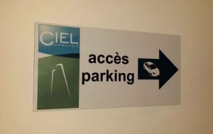 INformez vos visiteurs sur l'accès aux parkings