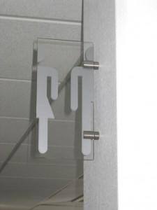 Esthétique et informatif drapeau WC plexi et décor vinyle