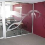 Sign-Capitale - Décors de bureaux en film dépoli et couleur