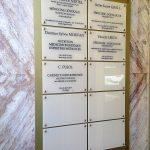 Panneau immeuble plaque professionnel en plexi gravé