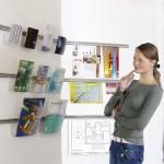 Sign-Capitale - Signalétique interne - Support mural pour magazines