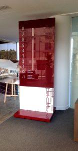 Sign-Capitale-totem alu et verre mosaik