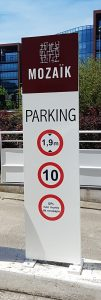 Sign-Capitale-totem exterieur extra plat entree de parking