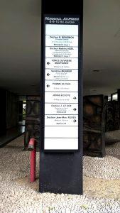 Panneau alu laqué et plaque pro modulaires en plexi grave bd jourdan sign capitale
