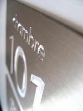 Numérotation de chambre, gravure vierge de peinture