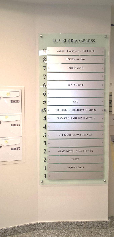 panneau modulaire pour le hall d'accueil